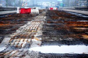 Umowa na rozbiórkę drewnianych elementów mostu wypowiedziana