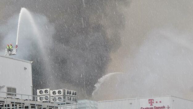 Utrudnienia dla klientów T-Mobile po pożarze hali