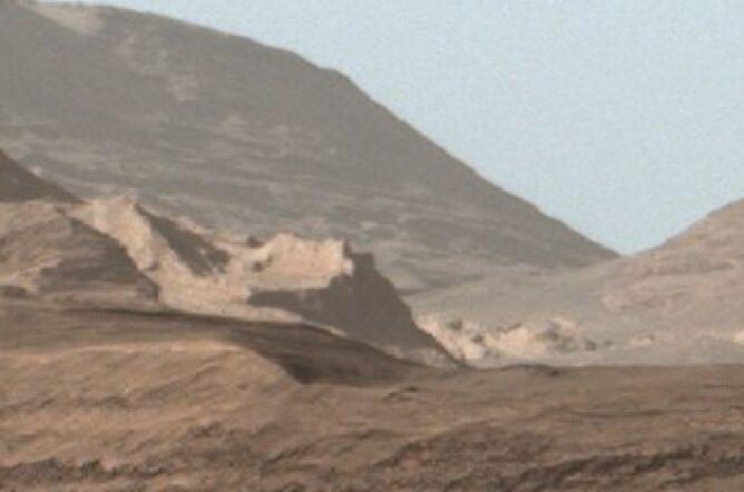 """Starożytna ściana"" na Marsie (fot. NASA)"